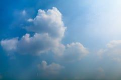 Wolken mit blauem Himmel Stockfoto