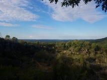 Wolken-Naturparadies der Skyline blaues stockbild