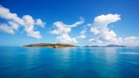 Wolken Oceaanhemel en Eilanden Royalty-vrije Stock Afbeelding
