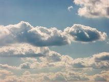 Wolken op blauwe hemel Stock Fotografie