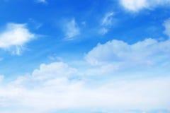 Wolken op blauwe hemel Royalty-vrije Stock Fotografie