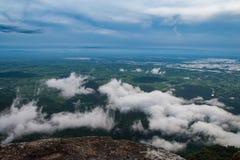 Wolken op de berg. Royalty-vrije Stock Fotografie