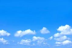 Wolken op de hemel Stock Fotografie