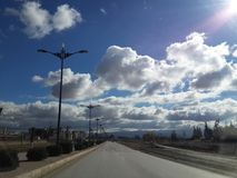 Wolken op de weg aan al annaser royalty-vrije stock foto's