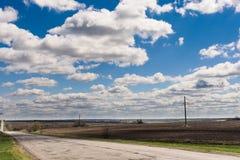 Wolken op een blauwe hemel Stock Foto's