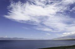 Wolken op het meer Royalty-vrije Stock Fotografie