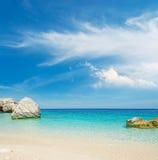 Wolken over Cala mariolu Royalty-vrije Stock Foto