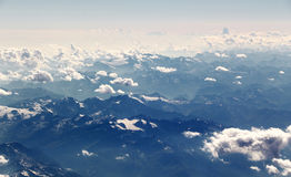 Wolken over de Alpen, altocumulus, meteorologie stock foto