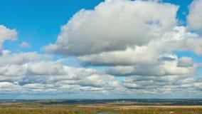 Wolken over de vlakte stock videobeelden