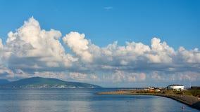Wolken over het overzees stock foto