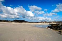Wolken over het strand Royalty-vrije Stock Afbeelding