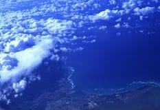 Wolken over tropisch paradijs, Oahu, Hawaï Stock Afbeelding
