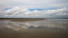 Wolken-Reflexionen Stockfotografie