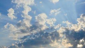 Wolken am Sonnenuntergang Lizenzfreie Stockbilder