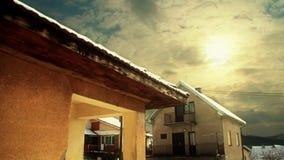 Wolken Timelapse over Huizen stock videobeelden
