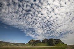 Wolken und Berg in Island Lizenzfreies Stockfoto