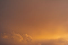 Wolken und bewölkter Himmel Stockbild