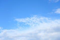 Wolken und blauer Himmel Stockfotos