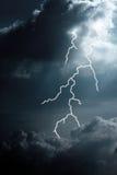 Wolken und Blitz Lizenzfreie Stockfotografie