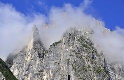 Wolken und Dolomit Lizenzfreies Stockbild