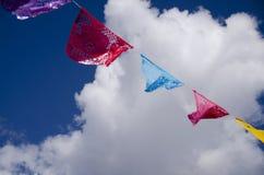 Wolken und Himmel Papel Picado Lizenzfreie Stockfotos