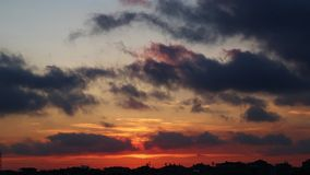 Wolken und Sonne stock video