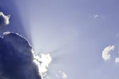 Wolken und Sonne Lizenzfreies Stockfoto