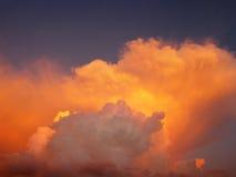 Wolken und Sonnenuntergang Lizenzfreie Stockbilder