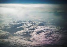 wolken van het vliegtuig Royalty-vrije Stock Afbeeldingen