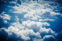 Wolken van hierboven Mening van vliegtuig Royalty-vrije Stock Foto