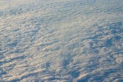 Wolken von hohem oben Lizenzfreie Stockfotos