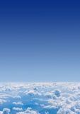 Wolken von oben Ansicht vom Flugzeug stockbilder