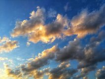 Wolken in zonsondergang Stock Fotografie