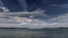 Wolkenbeweging over het Meer van Konstanz, Duitsland stock videobeelden