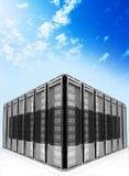 Wolkendatenverarbeitung und Computervernetzungskonzept Lizenzfreie Stockbilder