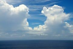 Wolkeneingang über Ozean Stockbilder