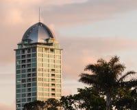 Wolkenkrabber bij zonsondergang Royalty-vrije Stock Afbeelding