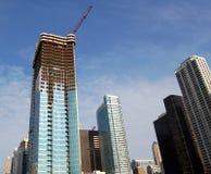 Wolkenkrabber in bouw royalty-vrije stock afbeeldingen