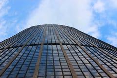 Wolkenkrabber die aan de hemel streven stock afbeeldingen