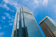 Wolkenkrabber en hemel Royalty-vrije Stock Foto