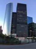 Wolkenkrabber in New York, in de avond Stock Foto's