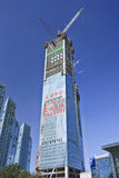 Wolkenkrabbers in aanbouw in Dalian-stadscentrum, China Royalty-vrije Stock Foto's