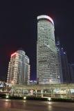 Wolkenkrabbers bij Lujiazui-gebied bij nacht, Shanghai, China Royalty-vrije Stock Afbeeldingen