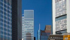 Wolkenkrabbers in het centrum van het financiële district, Frankfurt, Stock Foto