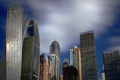Wolkenkrabbers van de Jachthaven van Doubai stock foto