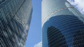 Wolkenkrabbers van glas stock video