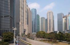 Wolkenkrabbers van het Lujiazui de financiële district in Shanghai Stock Foto's