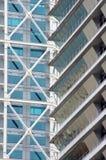 Wolkenkrabbervoorgevel - modern architectuurdetail Stock Fotografie