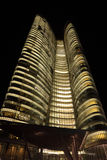 Wolkenkratzer in Abu Dhabi Lizenzfreies Stockfoto