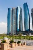 Wolkenkratzer in Abu Dhabi, Vereinigte Arabische Emirate Lizenzfreies Stockbild